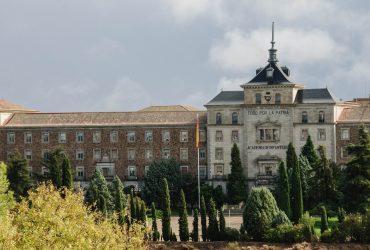 stary budynek wojskowy